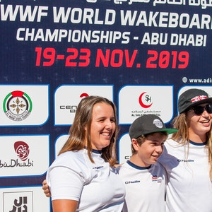 Ultrasport Team Melissa Lock Joe Humphries And Katie Batchelor at the 2019 Worlds Abu Dhabi - Photo Mark Osmond